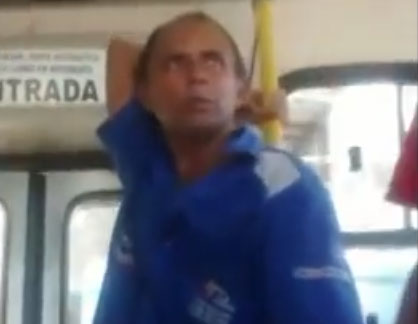 Descendo do ônibus