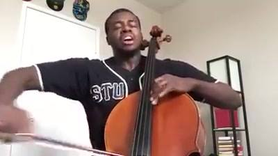 Kevin Olusola em Pentatonix
